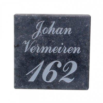 Nummergravure op arduinplaatje grijs geschuurd